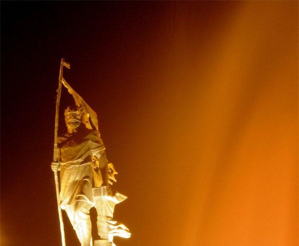 به تصویر کشیدن خروش کاوه آهنگر در شاهنامه